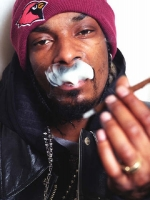 03-snoop-dogg-smoking