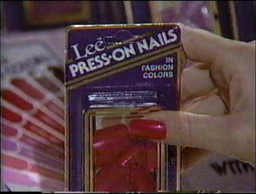05-lee-press-on-nails