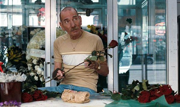 04-pete-postlethwaite-the-town