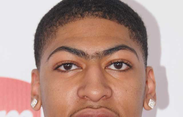 01-anthony-davis-eyebrows1