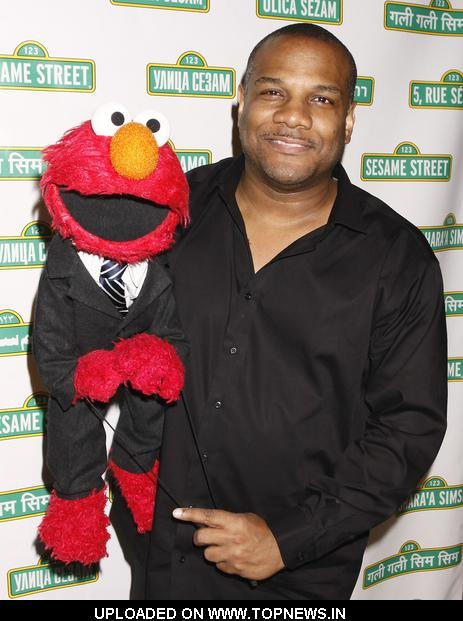 06-kevin-clash-and-elmo