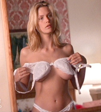Natasha henstridge nue hot