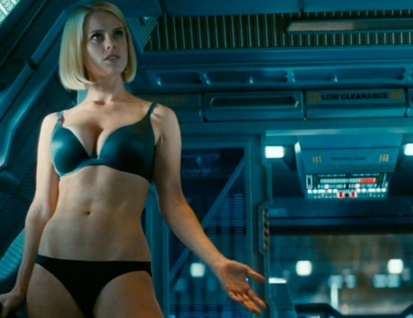 03-alice-eve-star-trek-into-darkness