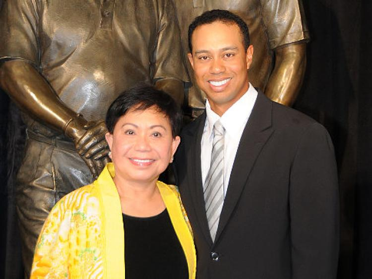 04-Tiger-Woods-and-Mom