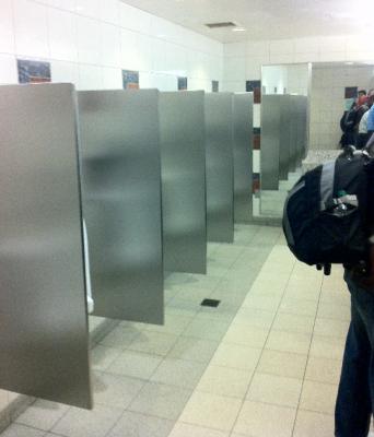 08-urinals