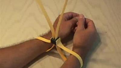 10-zip-cuffs