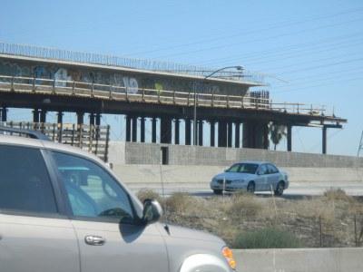 01-bridge-graffiti