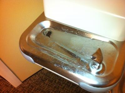 02-hospital-water-fountain2