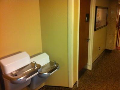 04-hospital-water-fountain4