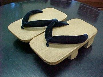 01-vomit-shoes