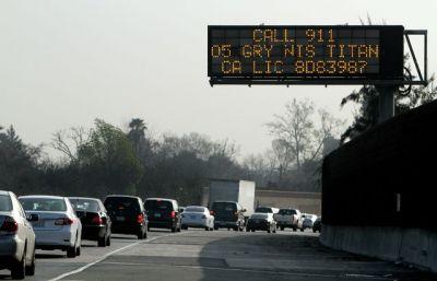 04-freeway-sign
