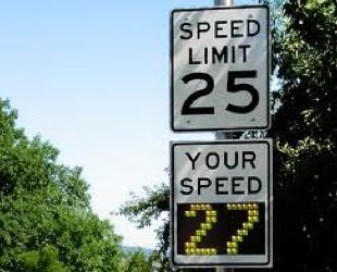 02-speed-limit-sign