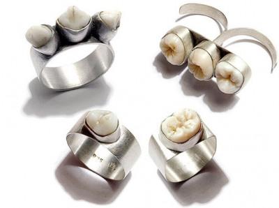 08-human-teeth-jewelry