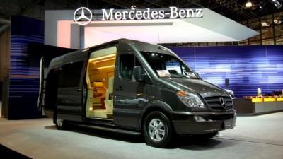 03-mercedes-limo-van