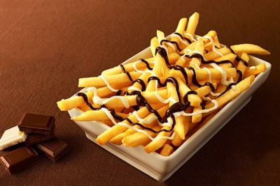 03-mcdonalds-chocolate-fries-japan.jpg