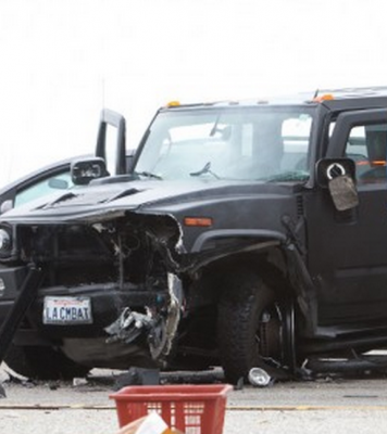 01-wrecked-hummer
