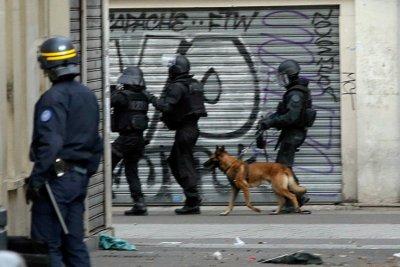 01-france-police-raid.jpg