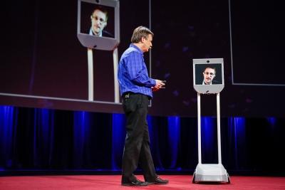 01-snowden-robot.jpg