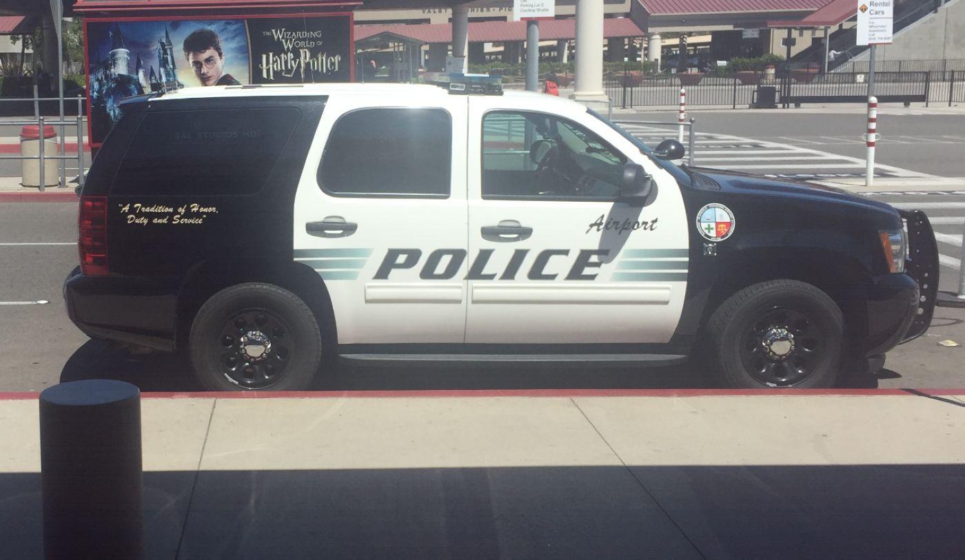 12-Airport-cop.jpg
