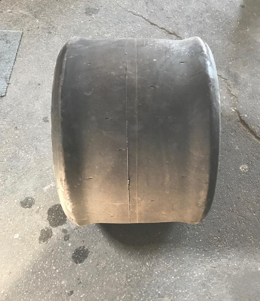 04-Racing-tire-wide.png