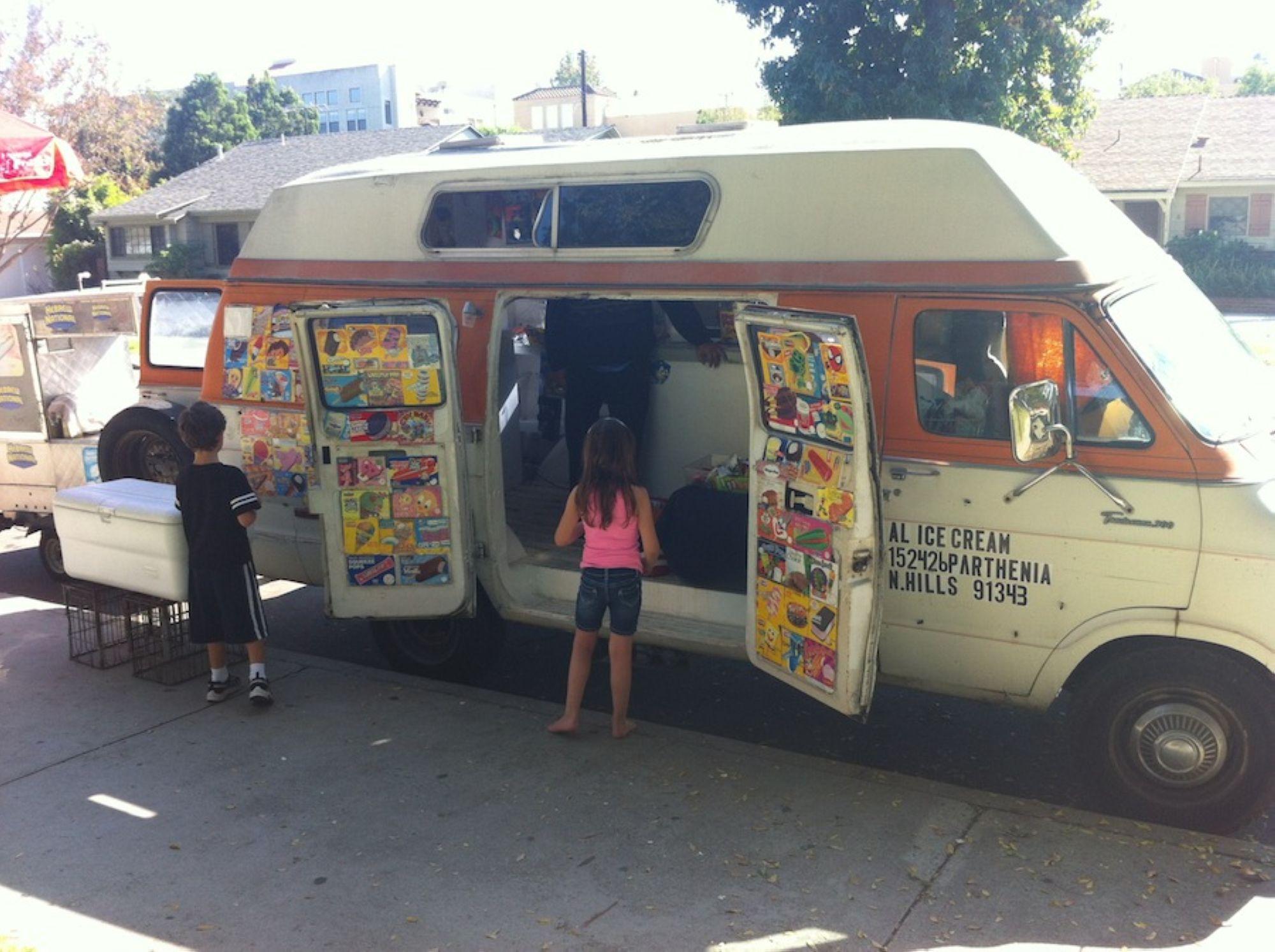 07-Ice-Cream-Truck-2_1