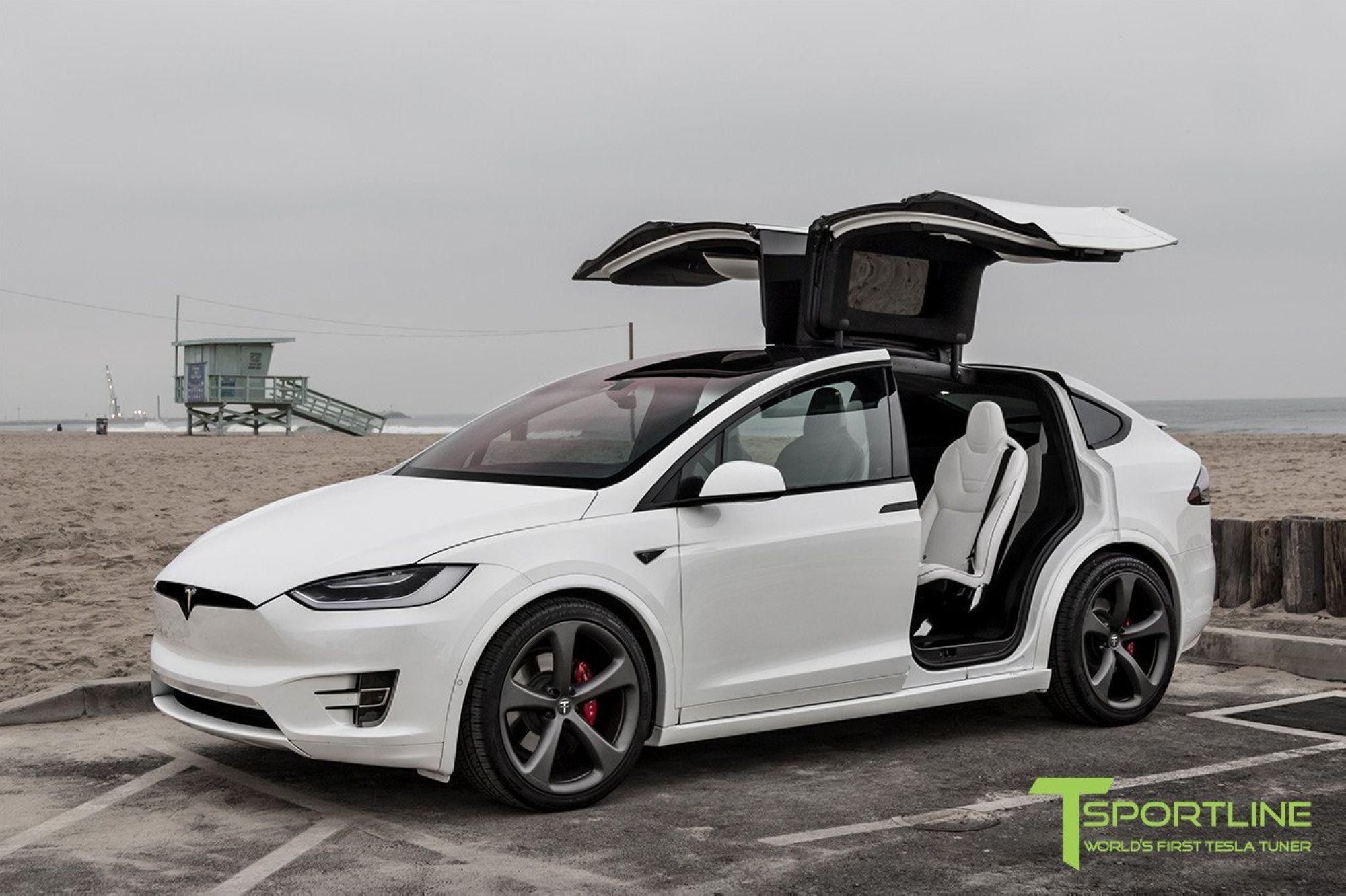 01-Tesla-Model-X-White-On-White_1