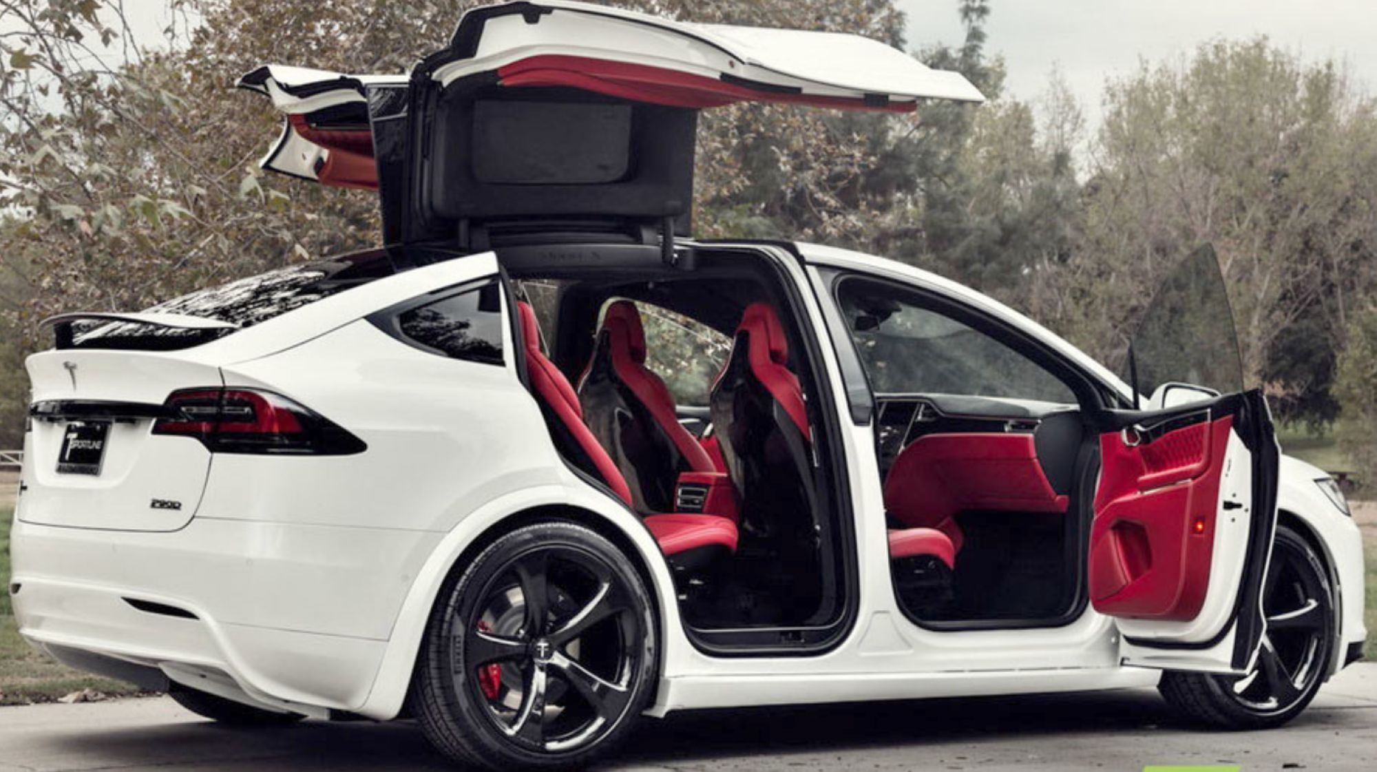 02-Tesla-Model-X-Red-Interior-Custom