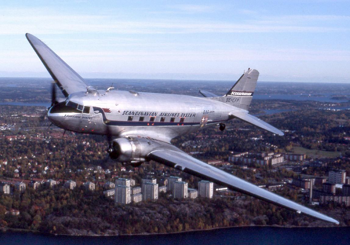 02-DC-3-Plane