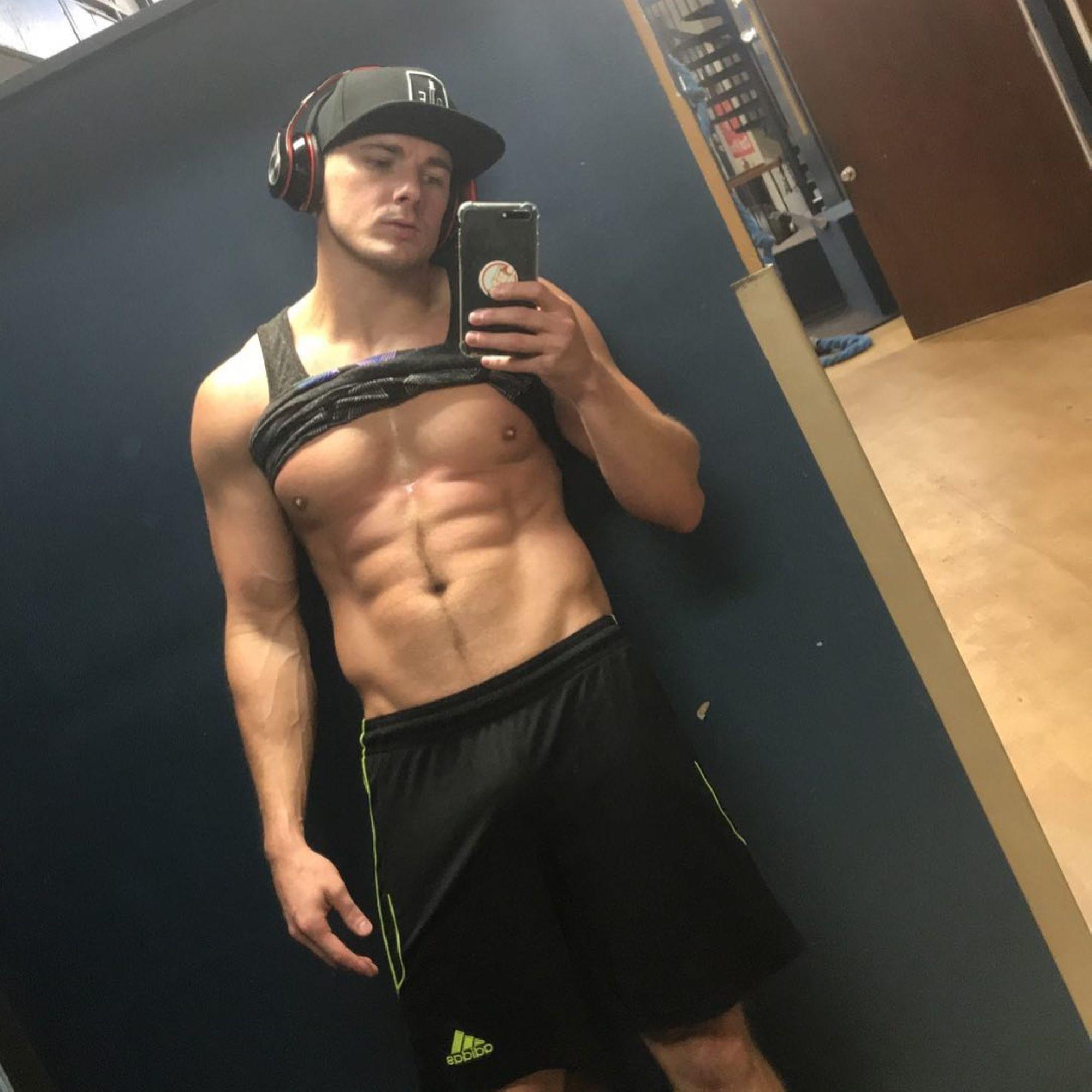 09-Gay-Porn-Caller_1