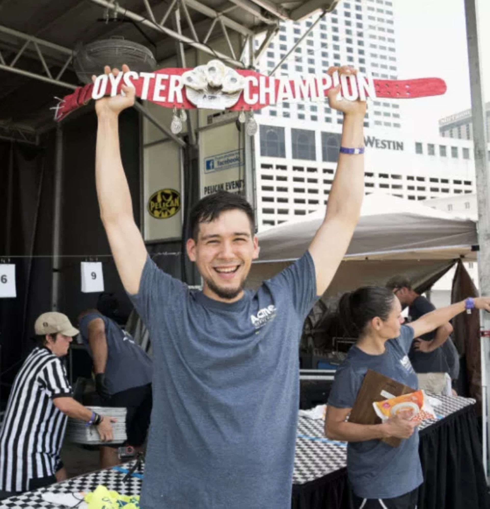 09-Oyster-eating-champ