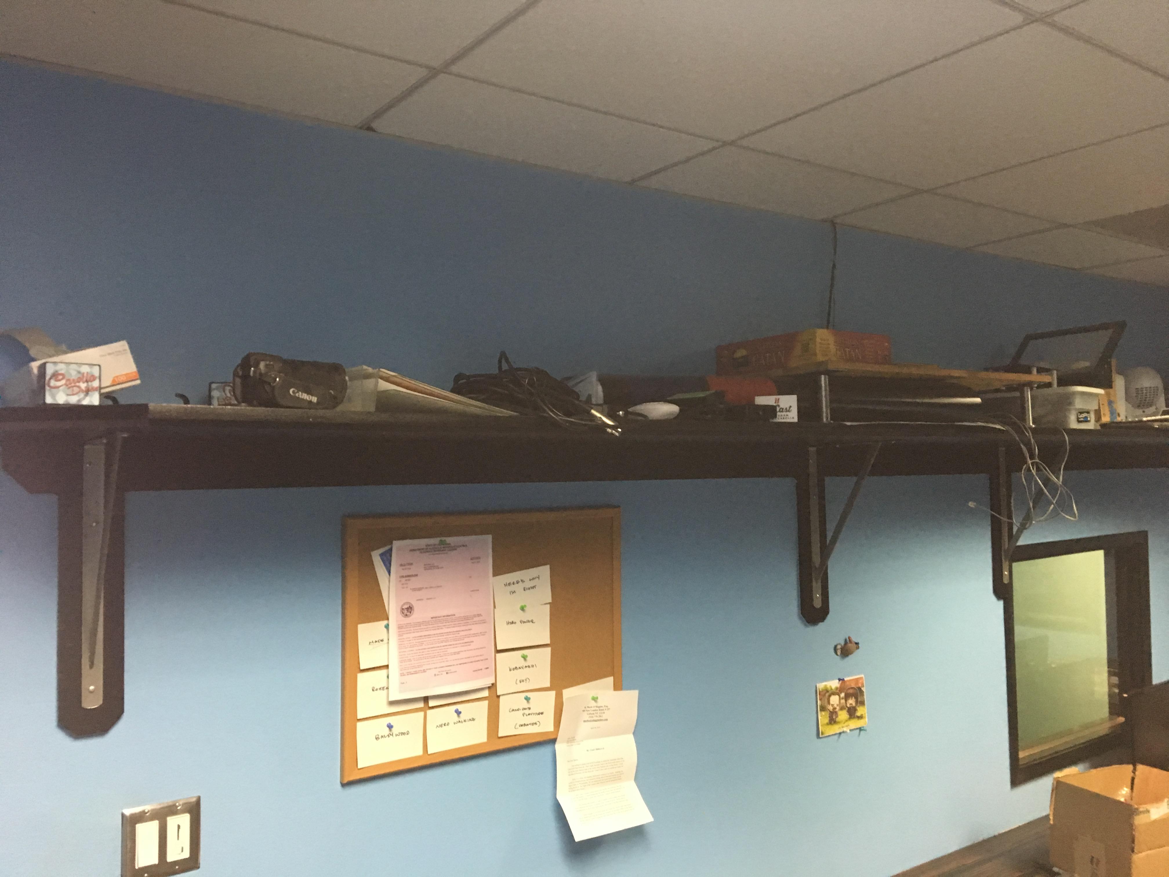 04-Unorganized-Office-4