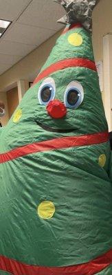 04-COVID-Spreading-Christmas-Costume-