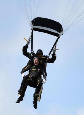06-Bush-parachute