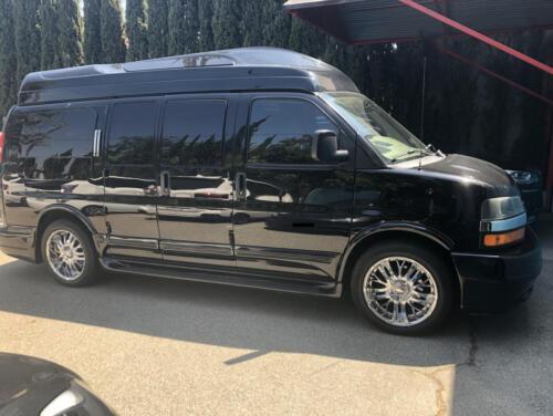 01 - Dexter Holland's Van