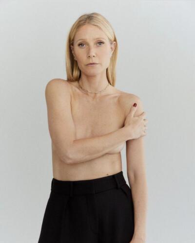 01 - Gwyneth Topless