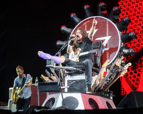 04 - Dave Grohl Rock Chair