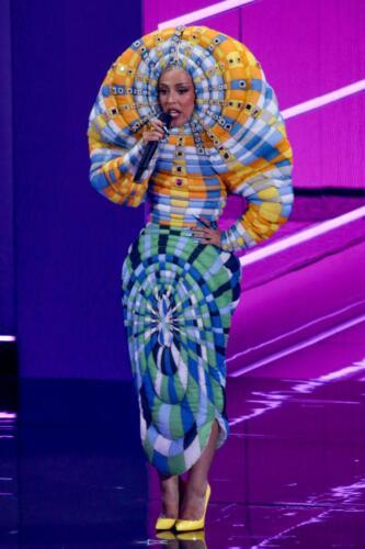 04 - Doja Cat VMA outfit