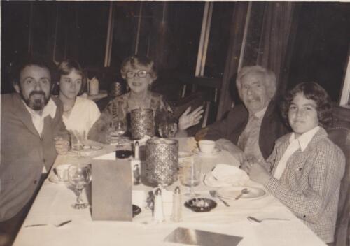 10 - Jim Helen Grandma Lotzi Sister and Adam Young Kid dinner
