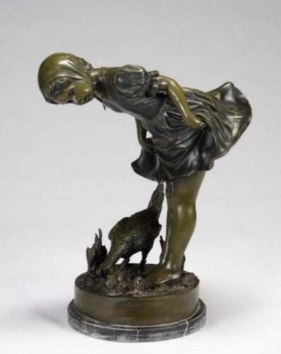 10-Michael-Jackson's-Statue